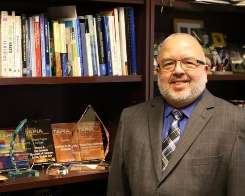 Dr. Manuel A. Pérez Quiñones